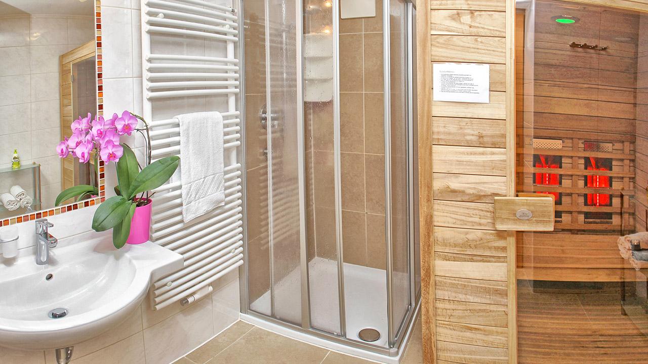 Badezimmer Dusche Gemauert